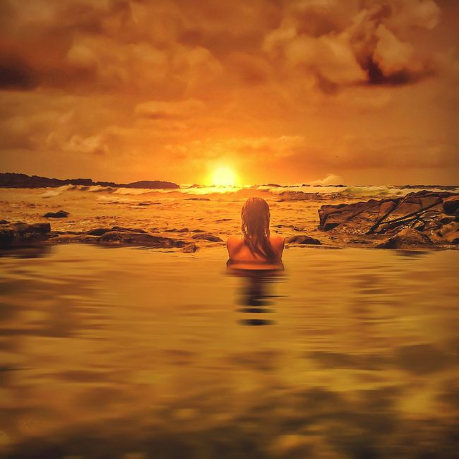That's Me Hanging Out Hello World Enjoying Life Beautiful Nature Paradise People Sunset #sun #clouds #skylovers #sky #nature #beautifulinnature #naturalbeauty #photography #landscape Enjoying The Sun EyeEm Nature Lover