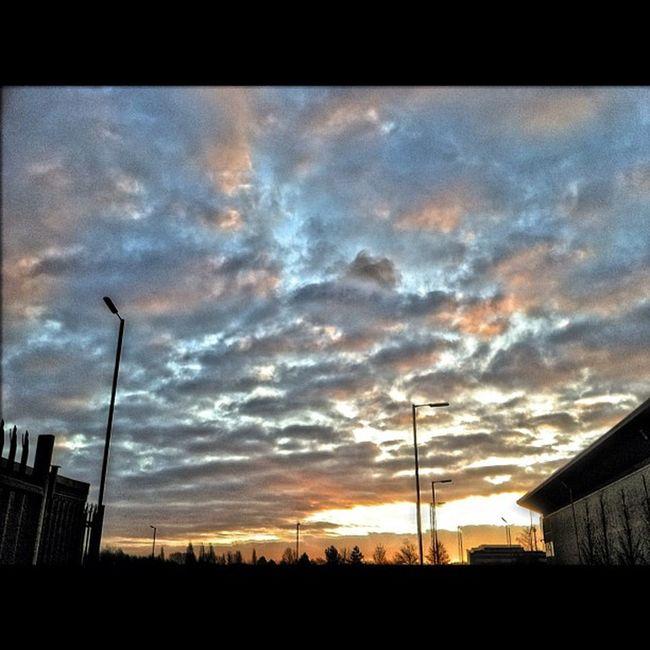 #igers_uk #bedsigers #hdr #ukigers #sky Sky HDR Ukigers Bedsigers Igers_uk