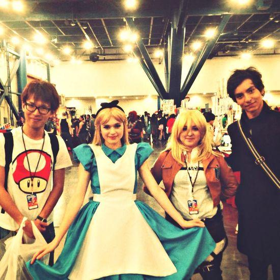Anime Matsuri Houston Alice In Wonderland Cosplay Taking Photos