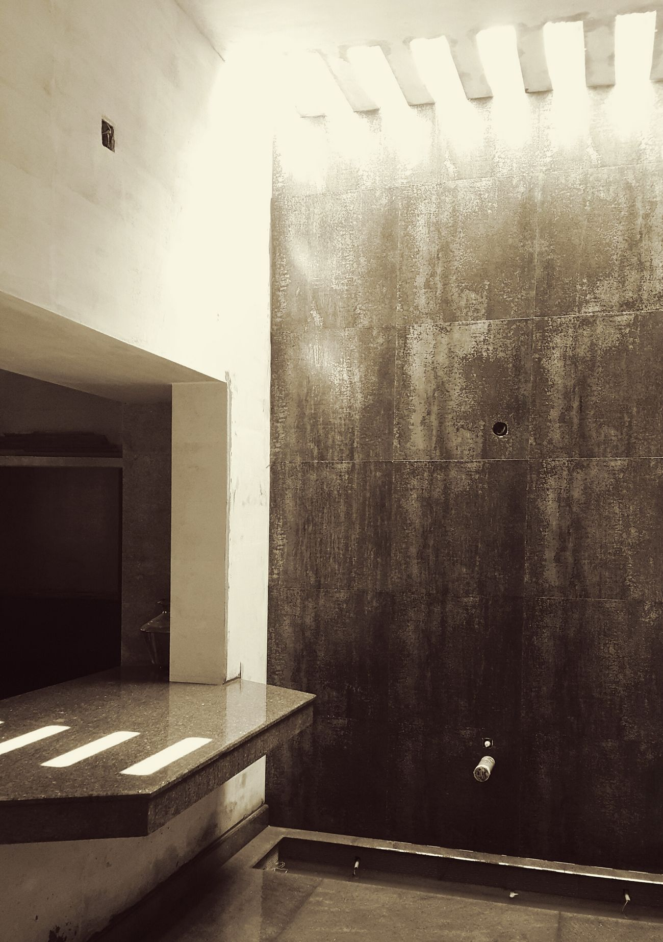 Interior Courtyard  Countertop Interior Skylight Texture Rustic Pergola Black And White Architecture Day No People Built Structure