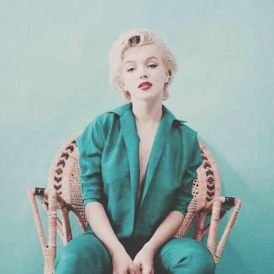 Marilyn Monroe 50s Woman Beauty Oldiesbutgoldies Fame Famous Blue