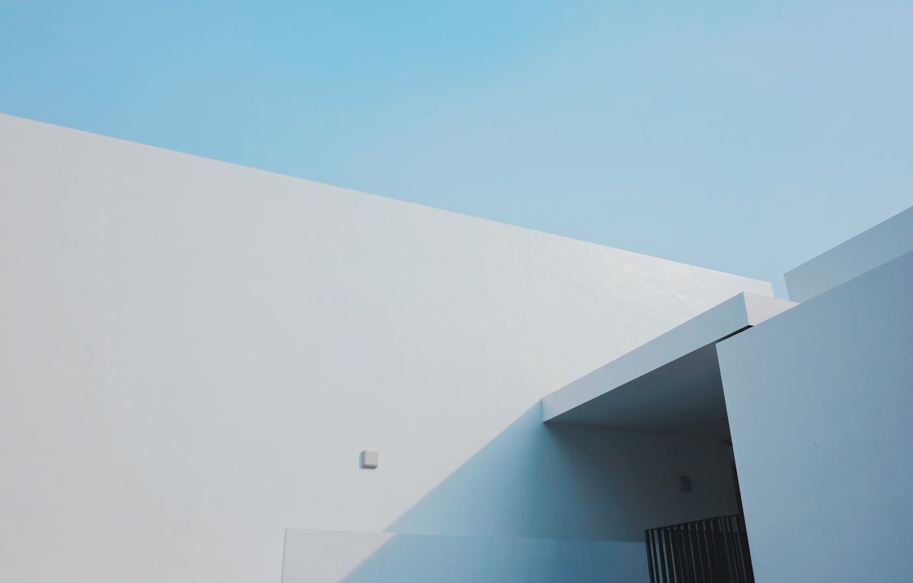 Built Structure Architecture Building Exterior Day No People Outdoors Low Angle View Whitewashed Clear Sky Blue Modern Nature Sky Modern Architecture Light And Shadow Clean EyeEm Best Shots Minimal Minimalist Architecture Entrance
