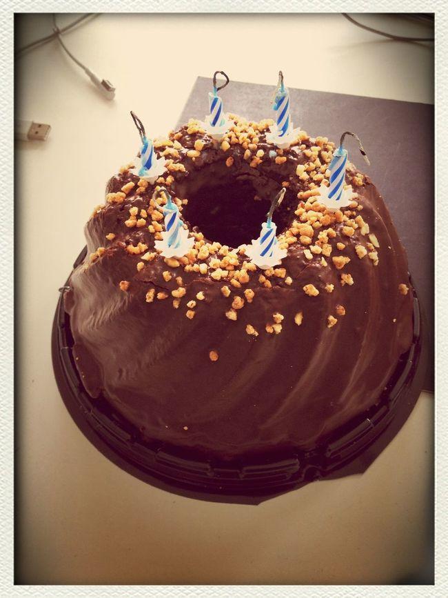 I Haz Cake Nom!
