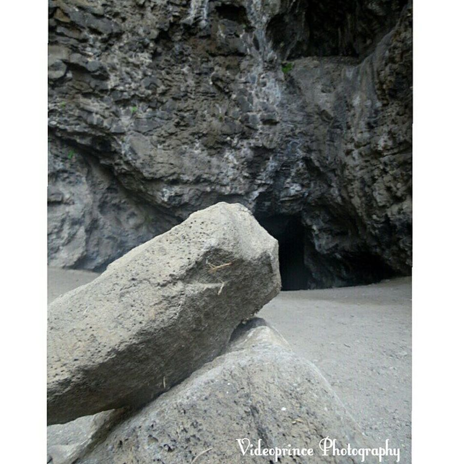 Kaneana Cave Entrance Photography By: Videoprince KaneanaCave Makua Westside HiLife Photography Adventure Islandlife Hawaii Oahuphotography Videoprince Luckywelivehi Caves Darkness Hawaiian Sharkman Legend Ancient Sacred Site Mountain Rocks Boulders Tunnels Hike Dangerous hikinglife