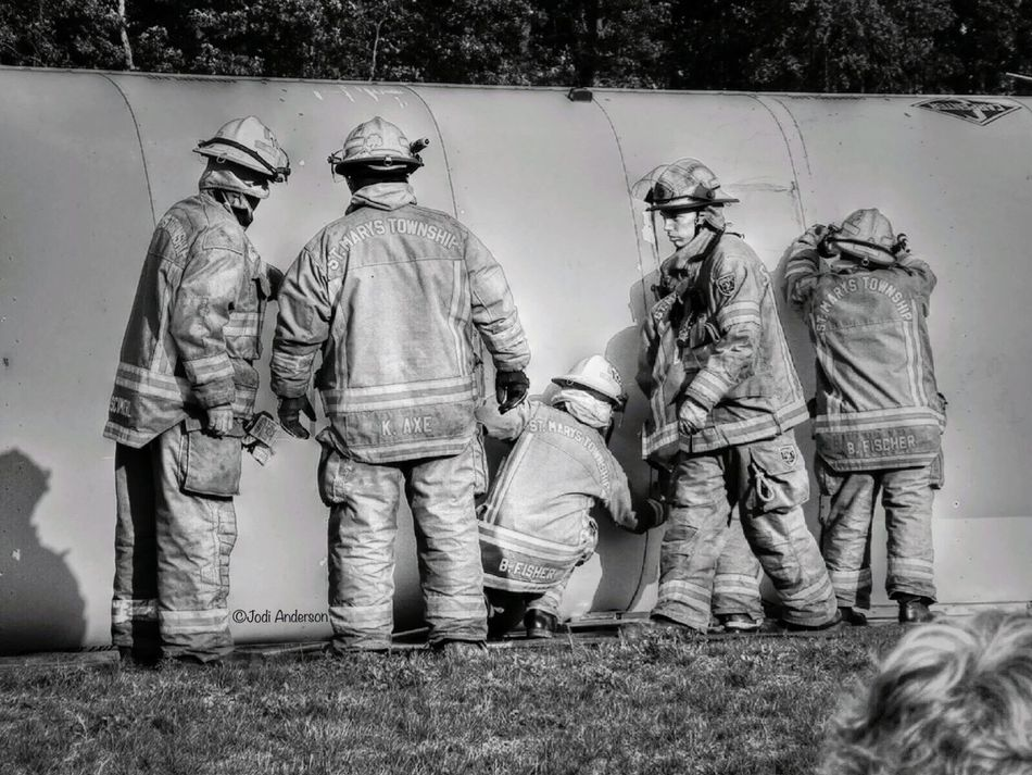 Firefighter Helmet Bunker Pants Firefighter_collection Hdr_Collection Firefighter Stuff FireFighting  Firefighter Swag Firefighters Firefighter Blackandwhite Blackandwhite Photography Training Training Time Training Day Mock Drill School Bus Volunteers Rescue Extricate