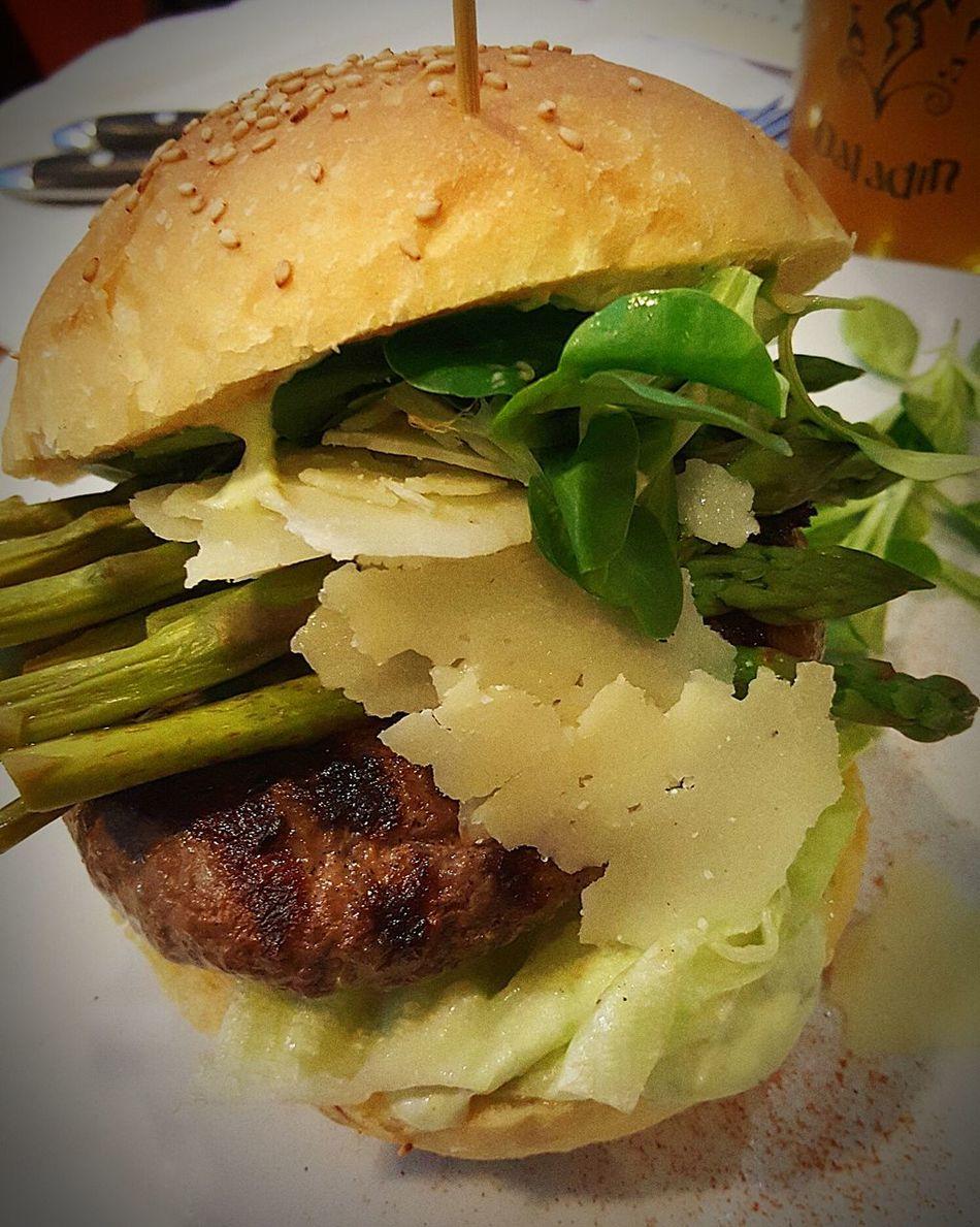 Show Us Your Takeaway! Taking Photos Hamburger Streetfood Food Foodporn Baladin Foodphotography Food And Drink