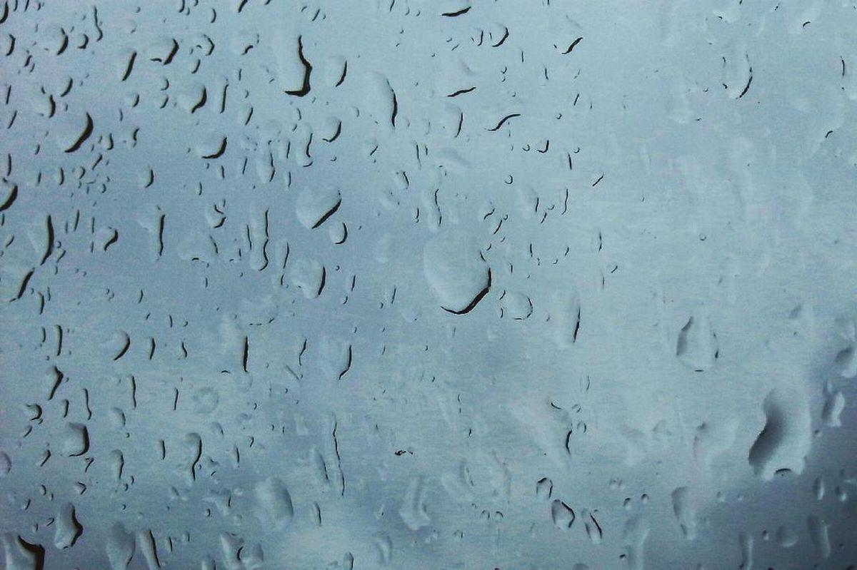 Moments Hello World Hi! Picoftheday Photo Photographer Rain Rainy Days Drops Sky Clouds Mood Boredom. Home Relax Photooftheday Bored Guys Moment Likeforlike Followme Followforfollow Taking Photos Enjoying Life Oggivacosì