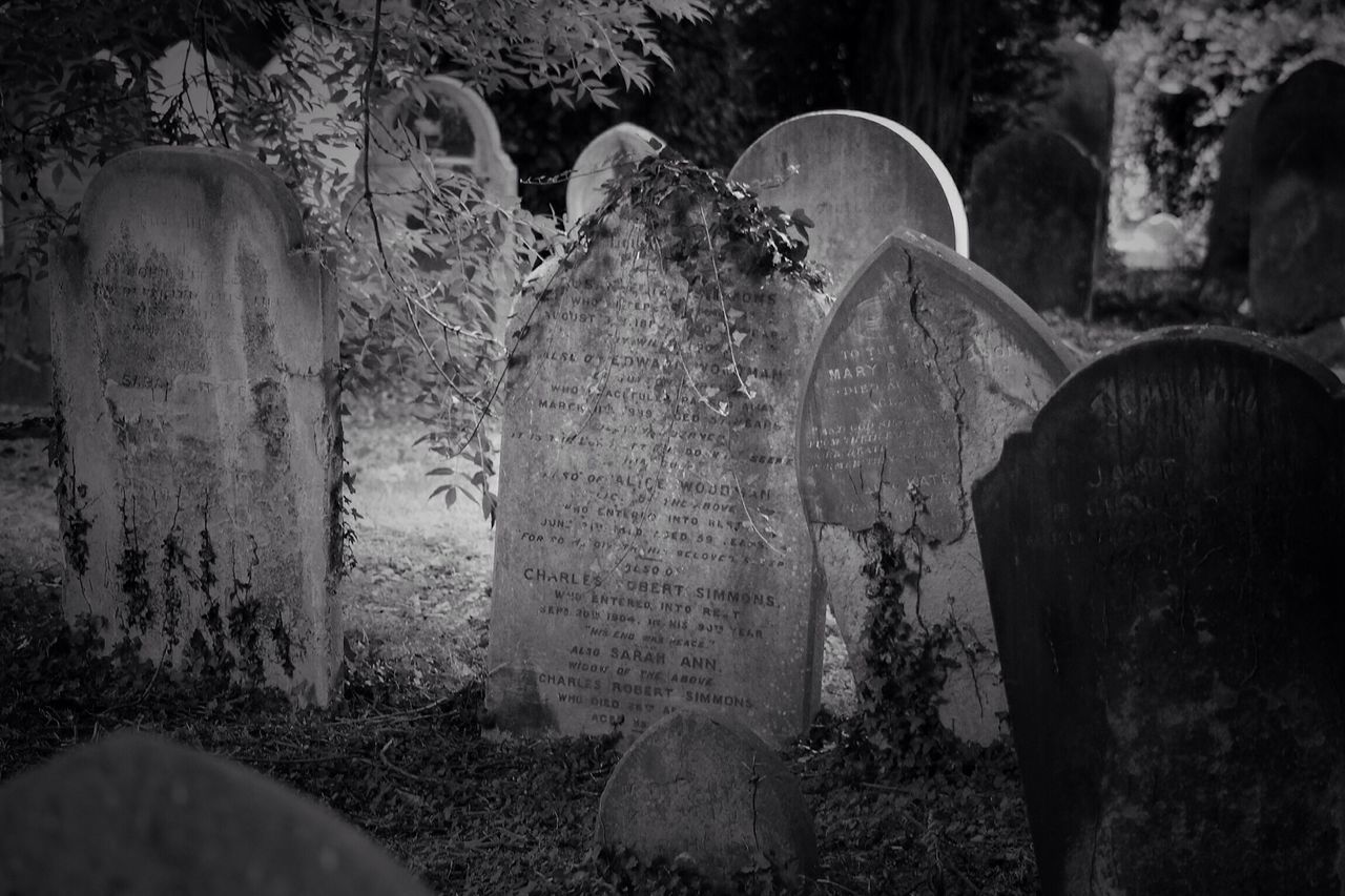 No Property No People Cemetery Tombstone Memorial Gravestone Graveyard South West London Canonphotography Burial Ground Churchyard Graveyard Beauty Creative Photography Black & White Canon