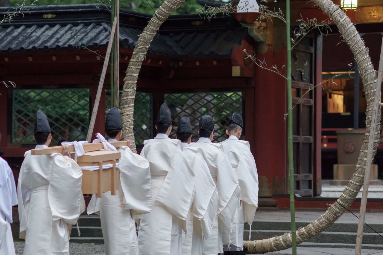 茅の輪 根津神社 Japanese Shrine Shinto Shrine Tokyo,Japan Tokyo Japan Culture Japan Photos Japan Japan Photography Japanese Culture Japanese Festival Shinto Temple Shinto Shintoism Japan Festival Traditional Traditional Culture Traditional Costume Traditional Festival June June2015 White White Clothes Tokyo Days