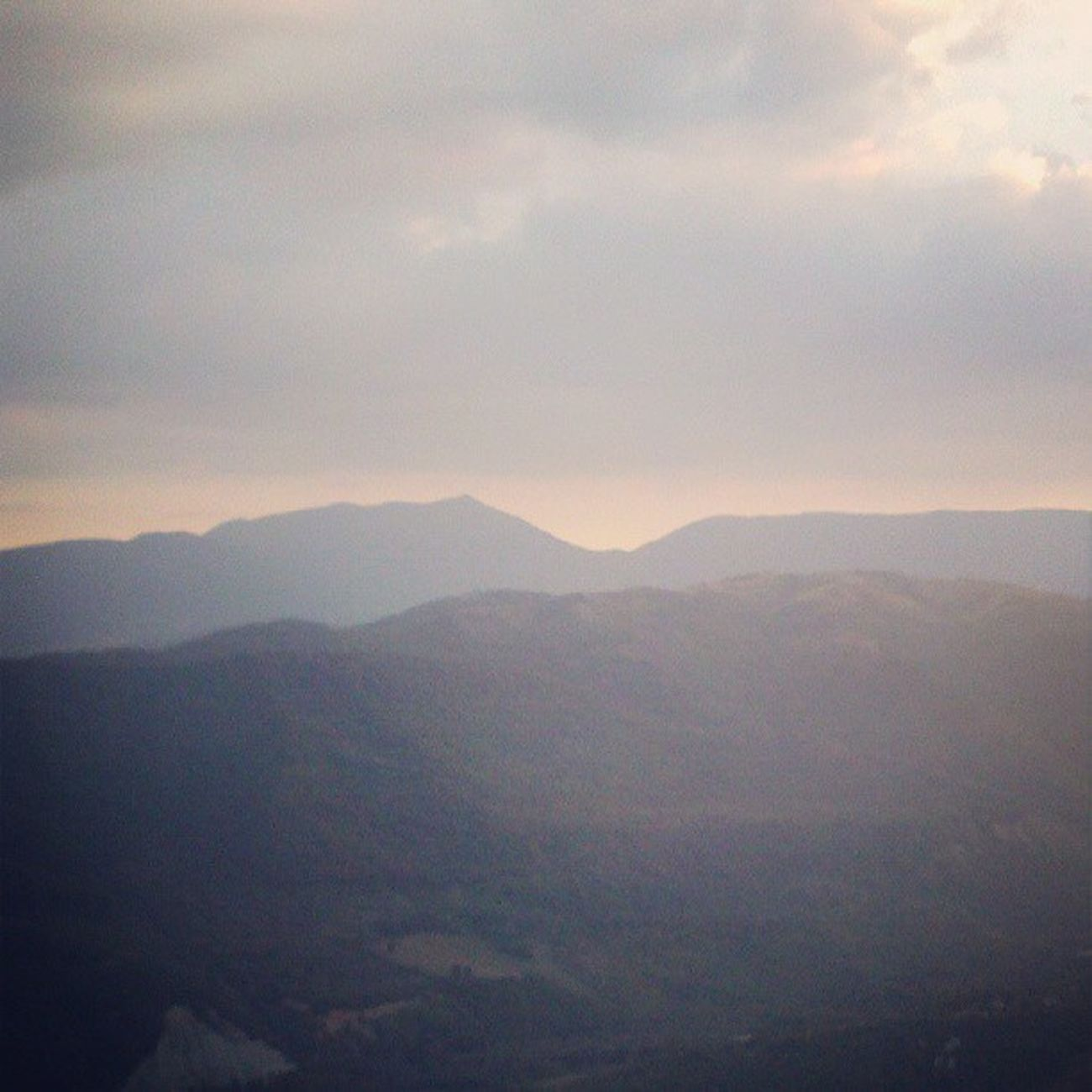 Day 14: favorite color Daylight Alba Nuvoloso Montagne lagalleriadiagosto