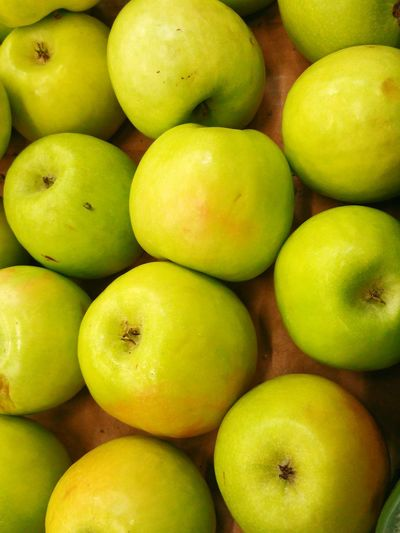 Apples Froots Healthy Healthy Food Nature Food Green Green Apples  Store Market Marketplace Check This Out Taking Photos Hanging Out Shopping Time Yammy  Froot