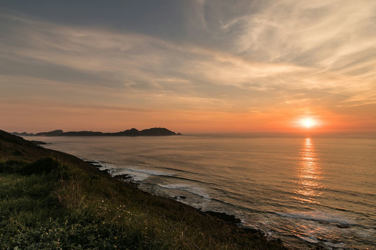 Sunset Beach Sea Water Reflection Sand Scenics Outdoors Beauty In Nature Sky Summer Cloud - Sky Tranquil Scene Sun No People Vacations Horizon Over Water Golden Hour Landscape Nature Tranquility Sunset Galicia, Spain Galiciameiga Cabo Home