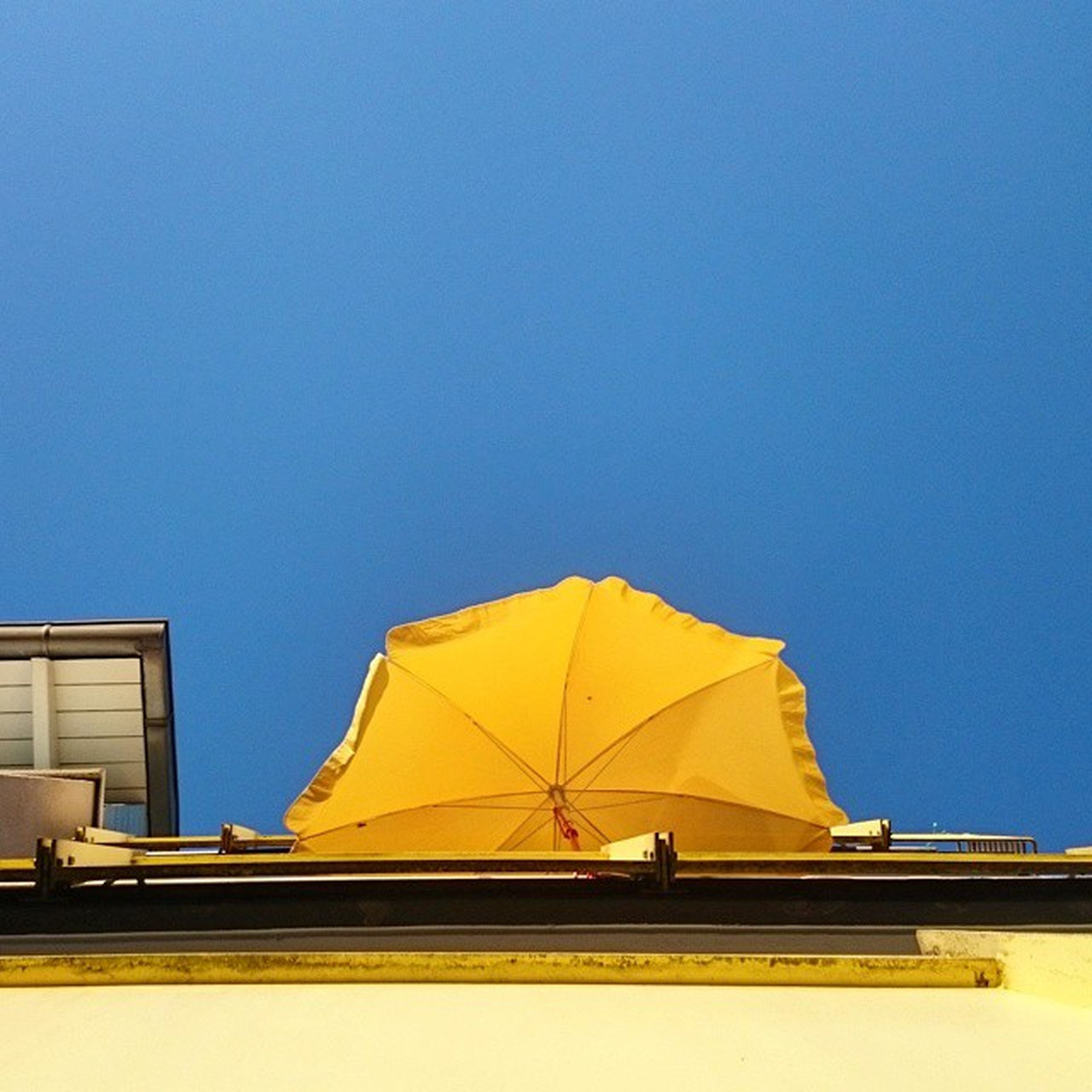 Sombrilla del vecino Coloresdelverano Calorcalorcalor Summertime 37° Nice