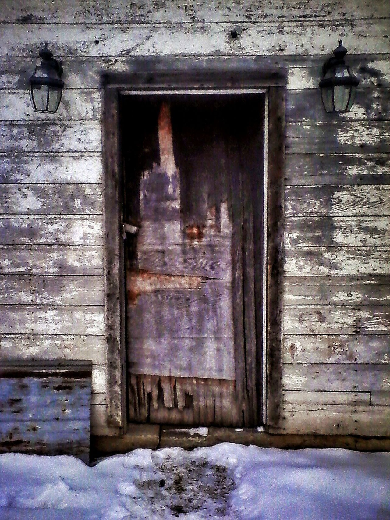 Showcase: February Wooden door. Lake Elmo Minnesota. Doors Around The World Doorways Doors Lover Doors Doorporn Wooden Texture Wood Textured  No People No Person Structure Architecture Composition Direct View Old Old Buildings Entrance Portal Photography Art Minnesota💙 Lake Elmo Minnesota Minnesota My Hometown