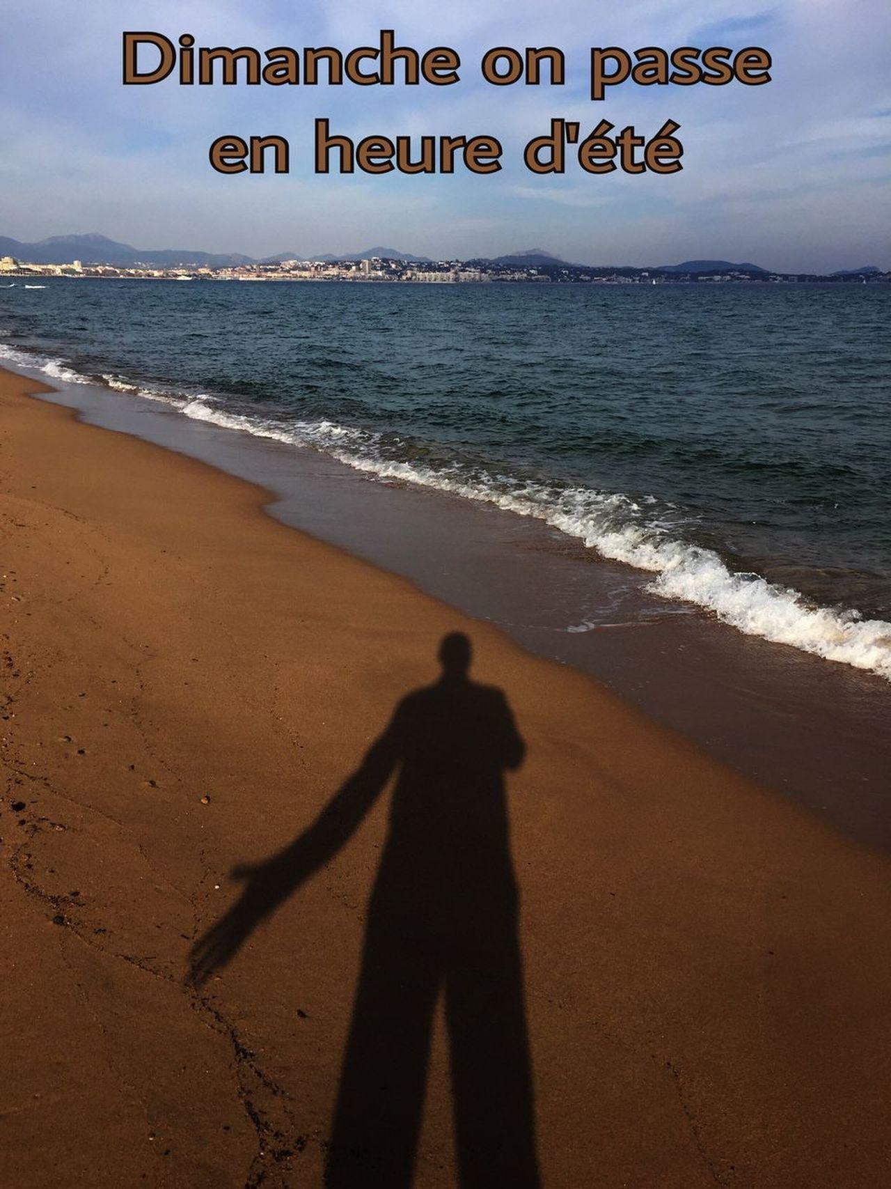 Heure D'été Sea Beach Ombre Water Mer Mediterranée Côte D'Azur Bord De Mer Au Bord De Mer Méditerranée Ciel Et Nuages