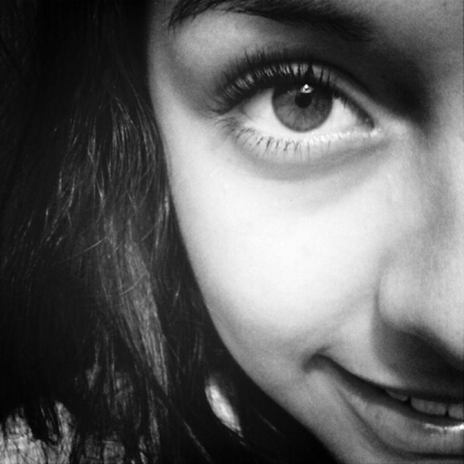 Nuestros Ojos Son La Llave A Nuestro Corazon<3'
