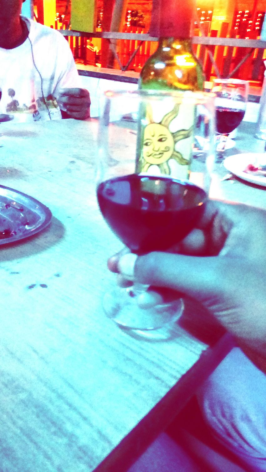 Cropped Hanging Out Some More Redwine Please😊🍷😄 Wineglass Enjoying Life Dinnertime Winetasting Redwine Part Of Hand Bestwine Followback Relaxing Refreshingdrink