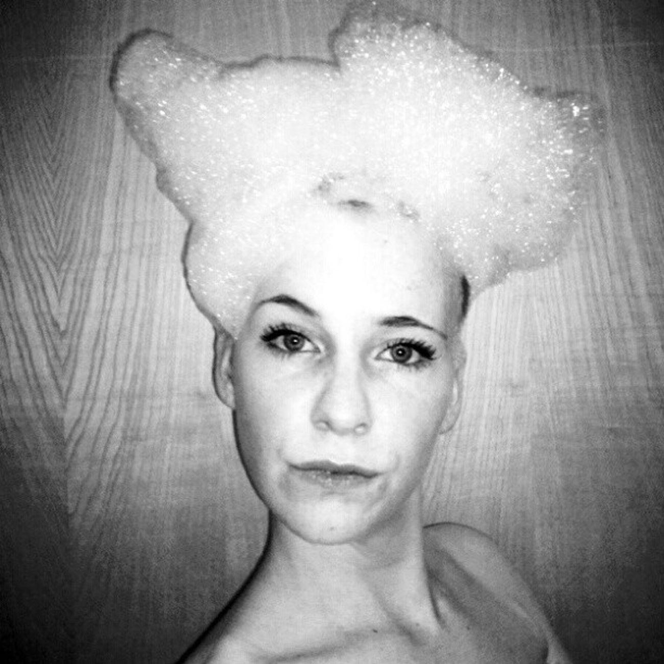 Got myself a new hairdo! Alopeciaawareness Alopecia Alopeciaareata Baldandbeautiful bald baldgirl nohairdontcare
