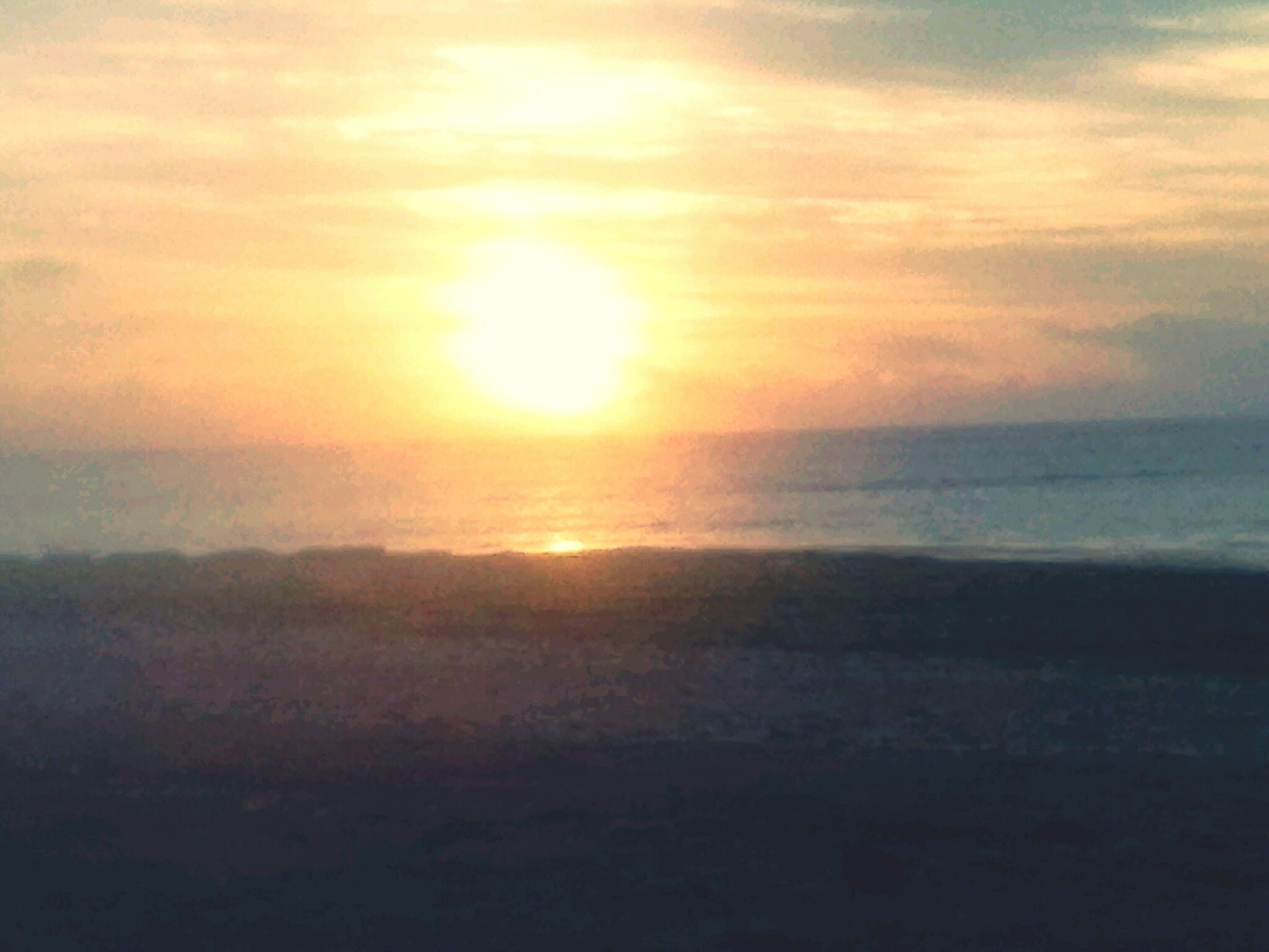 sunset, scenics, sea, sun, tranquil scene, sky, horizon over water, beauty in nature, tranquility, water, cloud - sky, beach, nature, idyllic, orange color, shore, sunlight, sunbeam, cloud, reflection