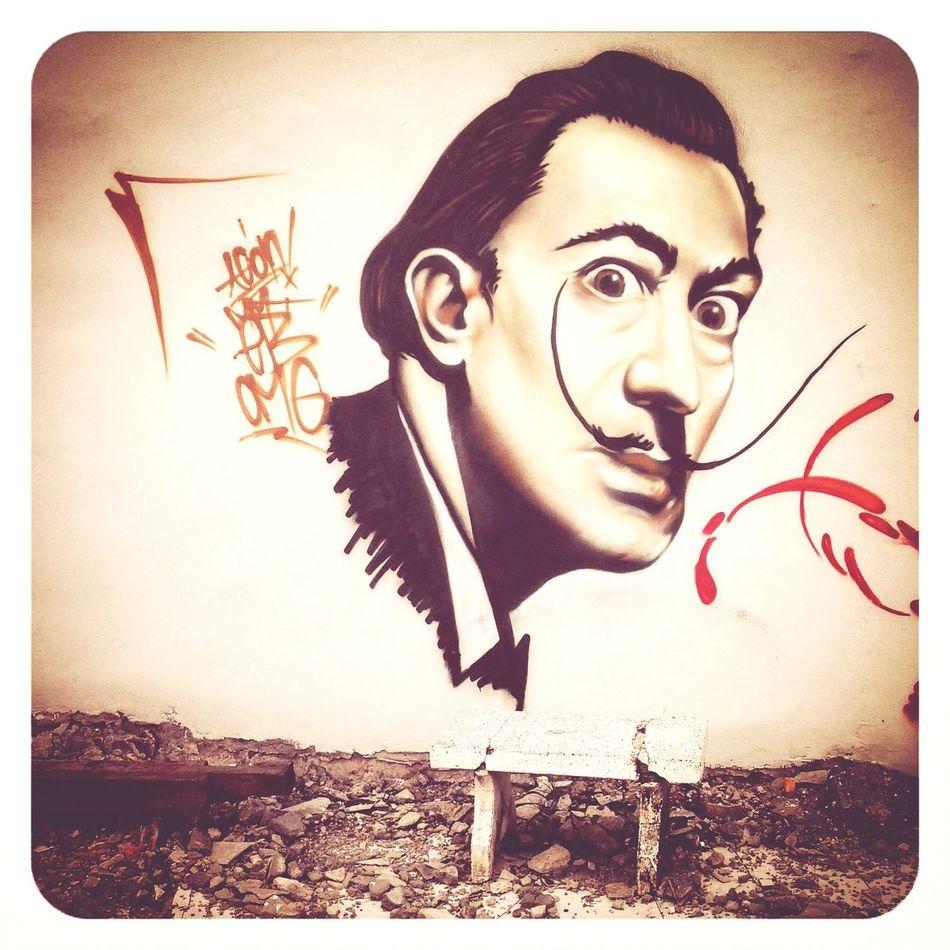 Salvador Dali. Urban Exploration Art - Streetart Enjoying Life Graffiti