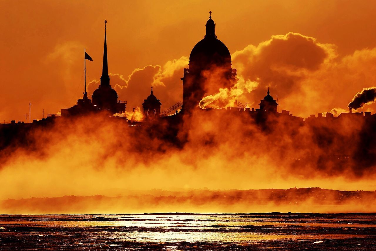 The Tourist Russia Moscow Travelling Travel Traveling Sunrise Sunset Sunset Silhouettes Silhouette City Cityscapes Cityscape Cold Sun Sunshine Smoke Streetphotography Architecture Buildings Orange Colors Clouds And Sky Clouds
