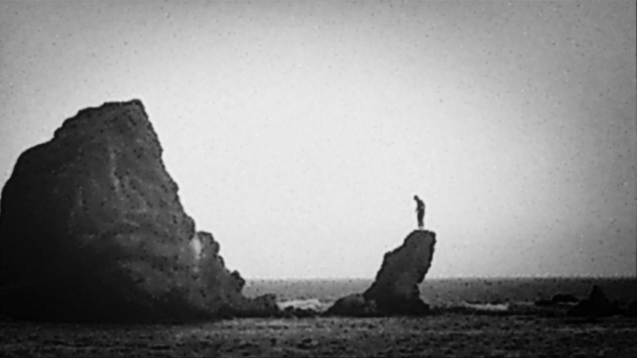 La soledad del ser Lugares Abandono Crecer Water_collection