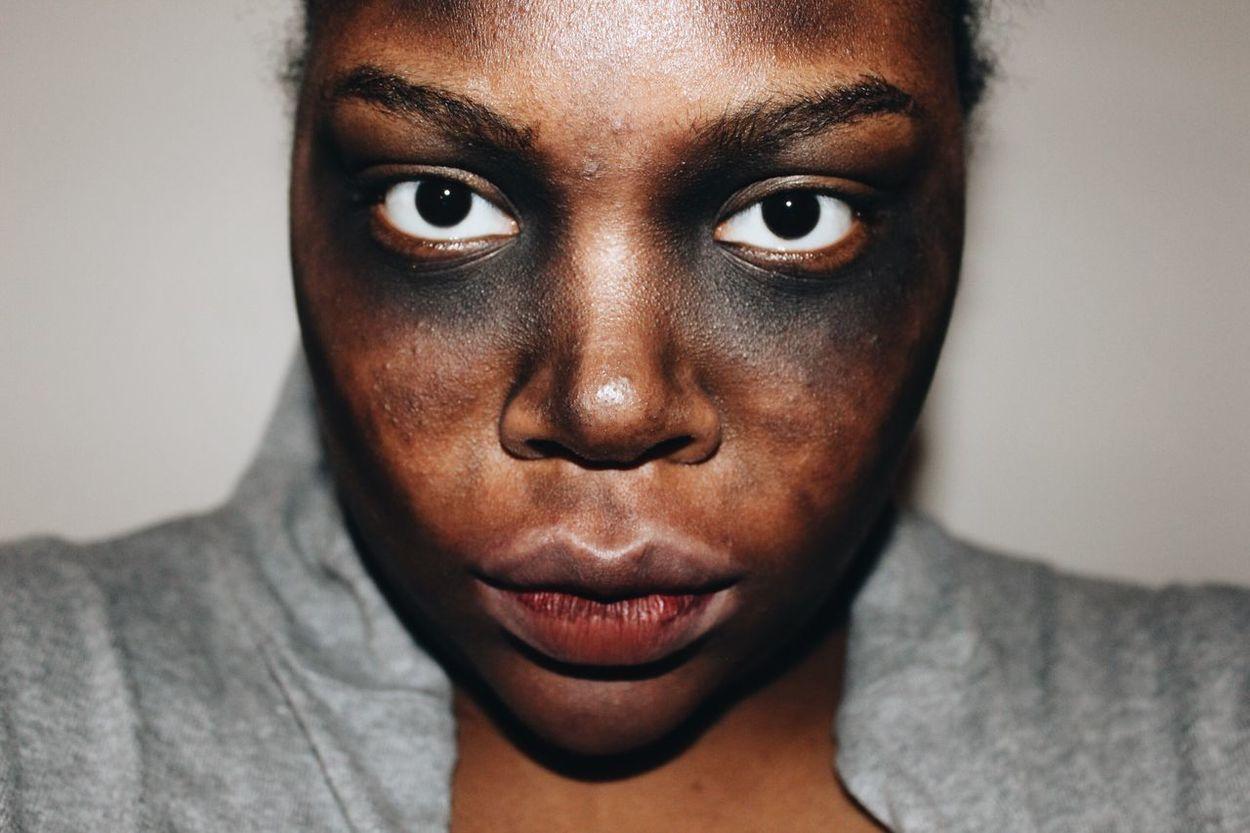 Look alive Zombie Dead Model Bruise Makeup Halloween October Costume