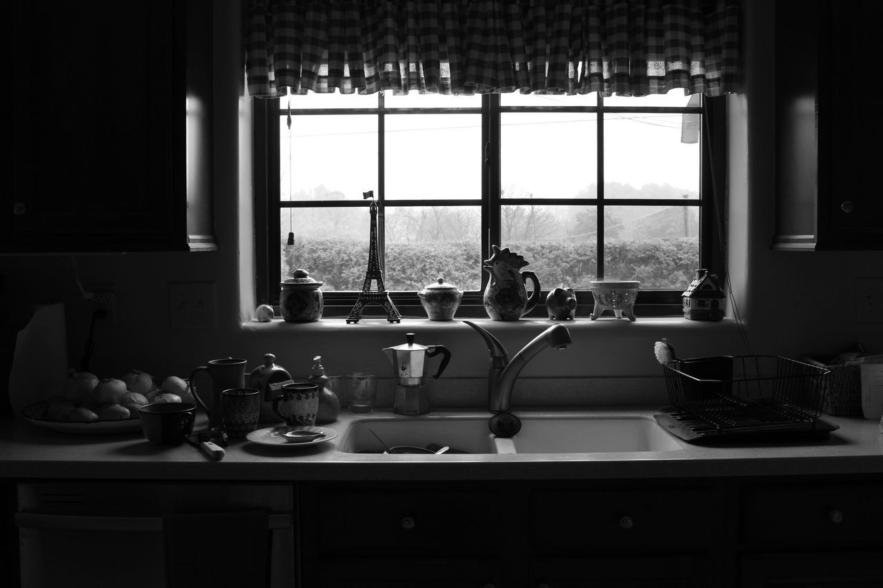 Bw Kitchen Window Dishes Kitchen Window Morning Windows