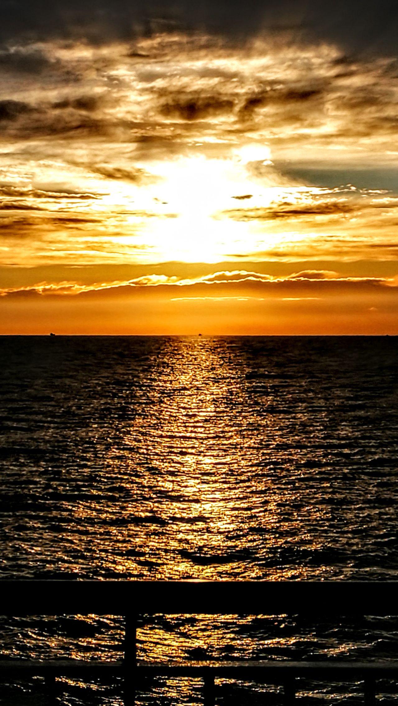On the Sea Ferry to Barcelona...beautiful Sundown... Sunset Sea Seascape Scenics Tourism Tranquility Water Beauty In Nature Nature Romantic Sky Dramatic Sky Beach Outdoors Travel Destinations Horizon Over Water No People Sun Wave Sky Barcelona, Spain GetbetterwithAlex Nostalgic Scene Originalpicture