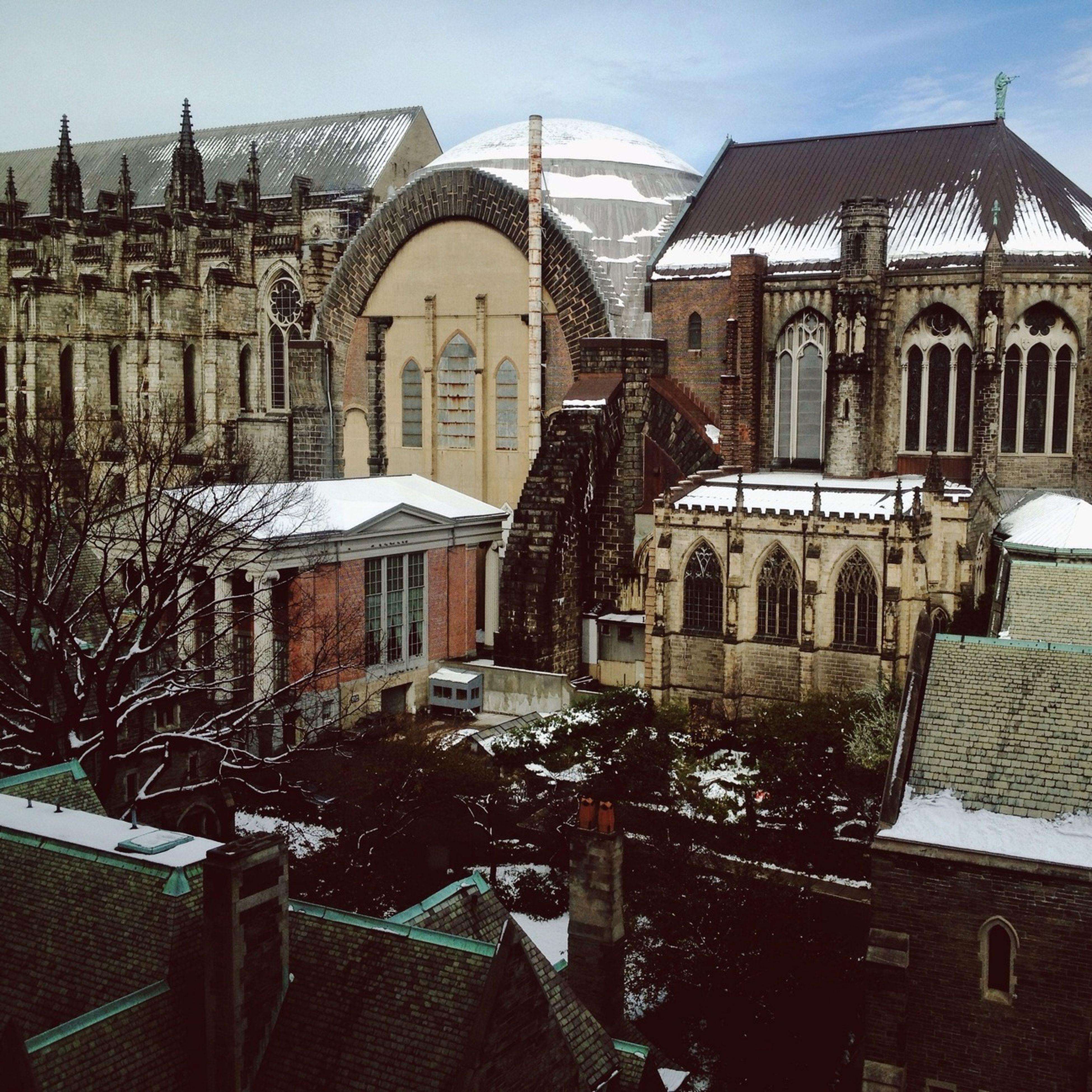 building exterior, architecture, built structure, residential building, residential structure, window, building, house, sky, city, day, balcony, old town, residential district, town, outdoors, roof, old, sunlight, church