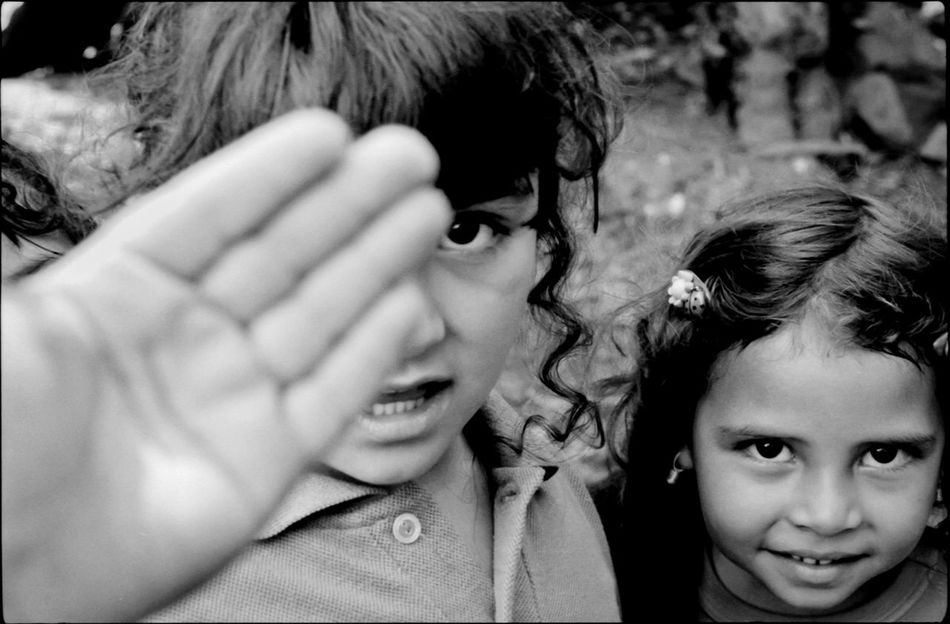 Jaji, Mérida State - Venezuela / Photography by Aaron Sosa / www.aaronsosaphotography.com www.aaronsosablog.com Blackandwhite Black And White Photography Venezuela Film Children