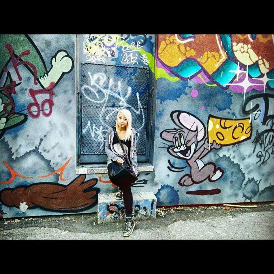 Toronto Graffiti Design Urban Art Girl