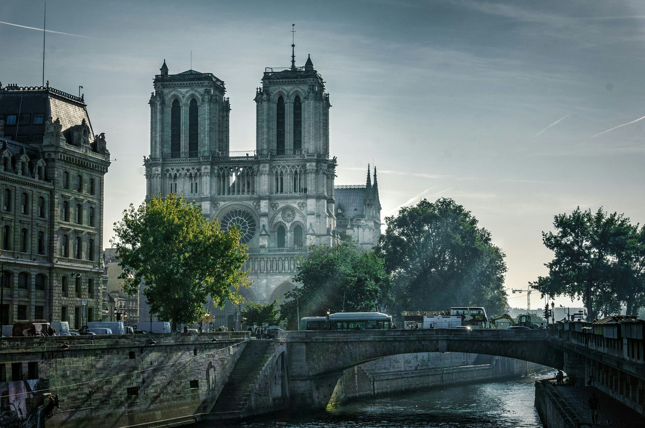 Battle Of The Cities First Eyeem Photo France 🇫🇷 Paris, France  Notre-Dame Notre Dame De Paris Senna River Cathedral