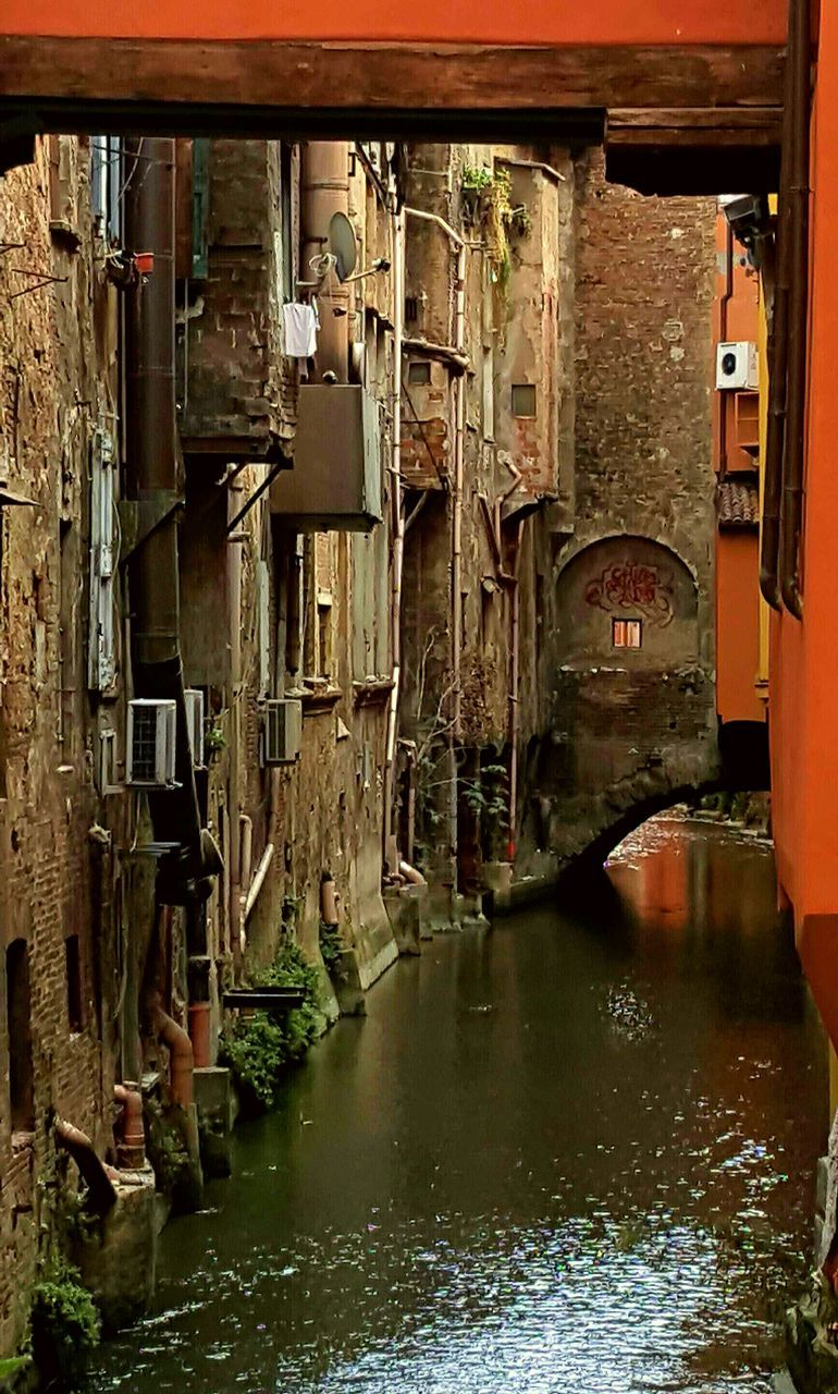 architecture, built structure, water, canal, building exterior, no people, day, nautical vessel, outdoors