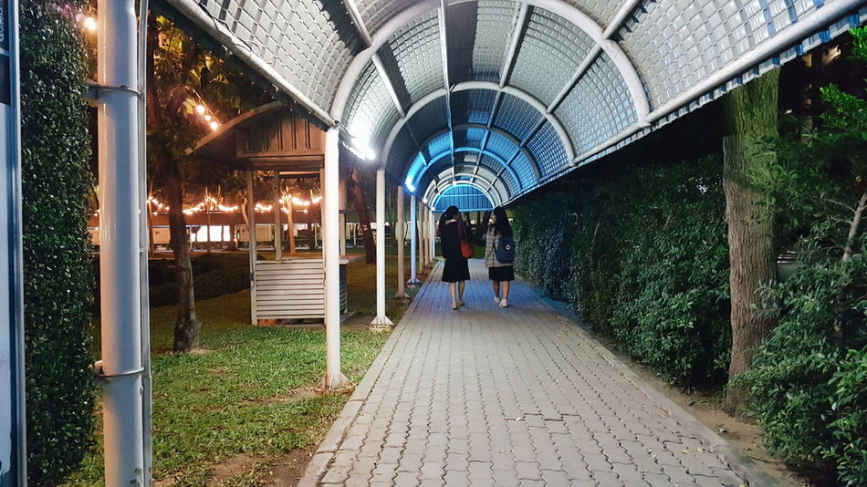 Sometimes we do it like this. Lights And Shadows Wearetogetherforever First Eyeem Photo Kmutt Walkway Us Bestfriend Goodday