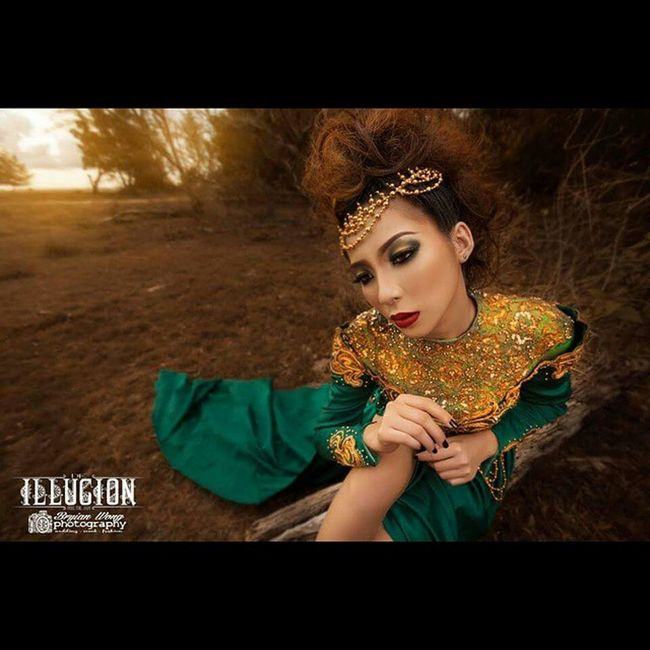 Makeup and hairdo for Illucion Photographicmakeup Photoshootsession Messyhairdo Sharpeyes Sharplips Sabahanmodel Sabahanpride Mua Seemonicalip Marmonroe Bryianwongphotography