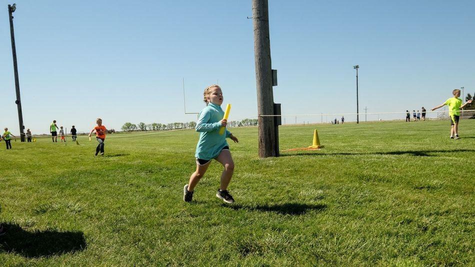 Meridian Elementary School Track & Field Day May 12, 2017 Daykin, Nebraska Community Elementary Age Elementary School Everyday Lives Full Length Fun And Games Kids Having Fun Kidsphotography Lifestyles My Neighborhood Outdoors Photo Diary Real People Relay Race Runners Running Rural America School Small Town America Small Town Stories Sport Sports Clothing Storytelling Track And Field Visual Journal