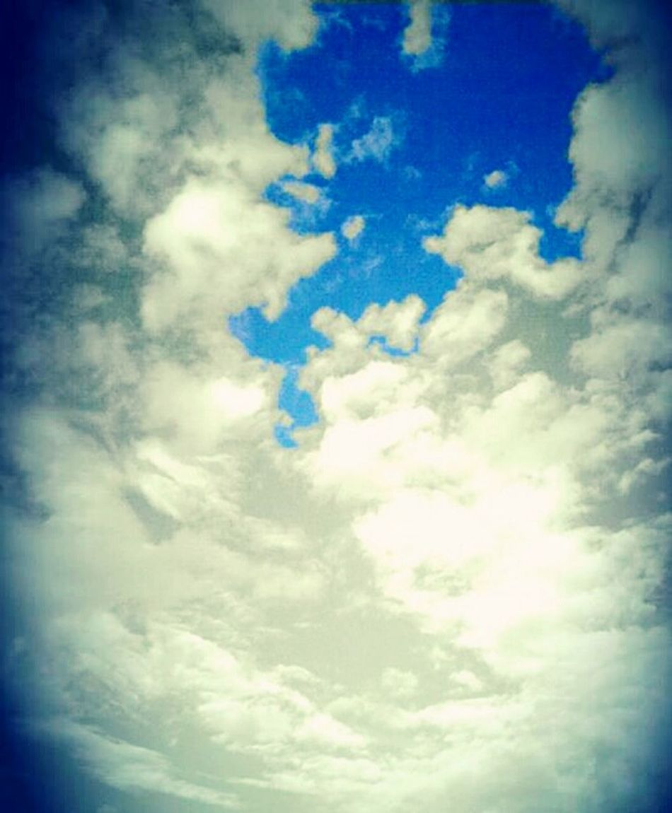 Sky And Clouds Blue Sky Clouds Squarcio EyeEm Nature Lover Eyem Nature Beautiful Sky ⛅