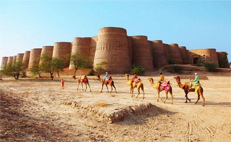 Deserts in Pakistan constitute a significant part of the country's geography,especially in the central and south-eastern regions.Deserts Around The World DesertSky Desertsofpakistan Desert Cholistan