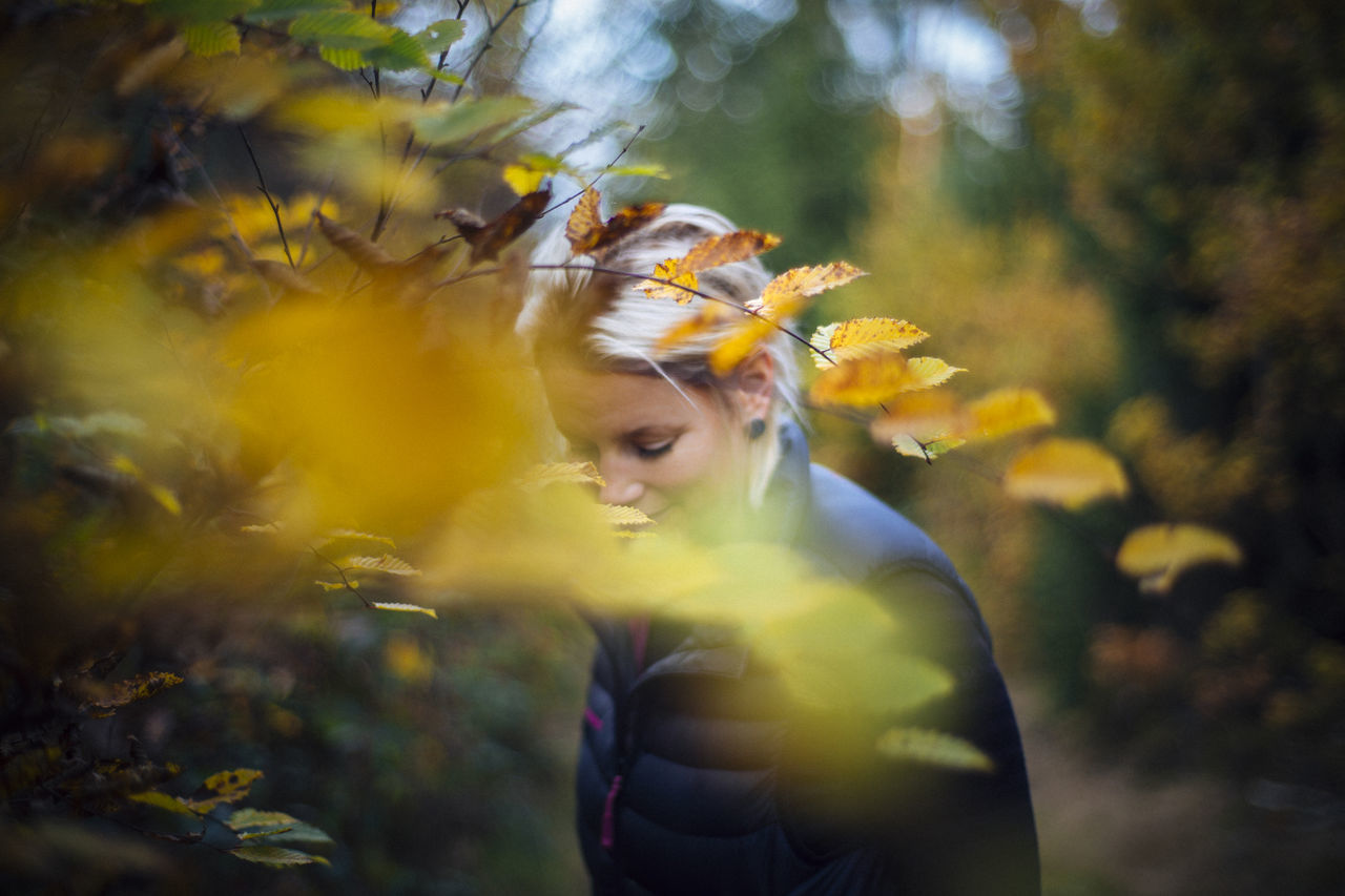 Autumn Autumn Collection Autumn Colors Autumn Colours Autumn Leaves Autumnbeauty Autumn🍁🍁🍁 Blond Hair Close-up Enjoying Nature One Person Outdoors Portrait Portrait Of A Woman Yellow