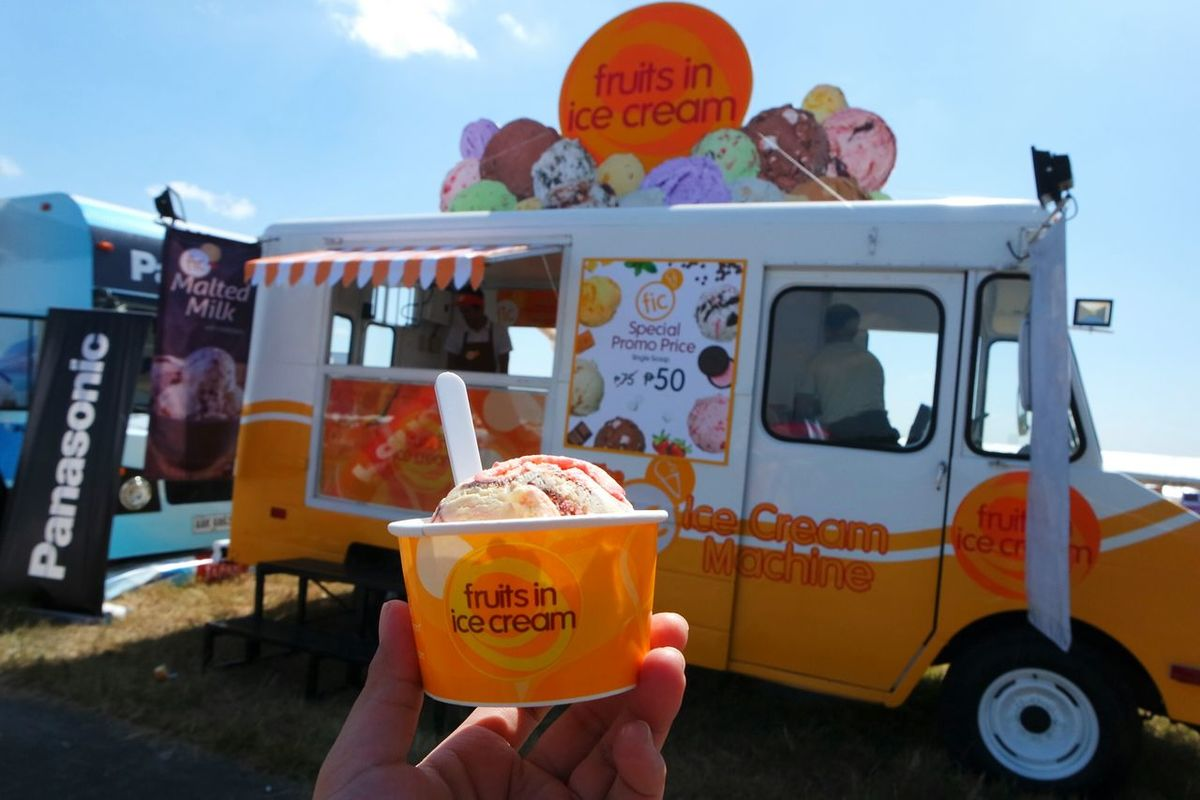 Surviving the heat with this delicious refreshment PIHABF2016 Philippineinternationalhotairballoonfestival Eyeem Philippines Fruits In Ice Cream Food Porn Hanging Out Hello World That's Me Check This Out Taking Photos Enjoying Life Chilling Icecream🍦 Pas