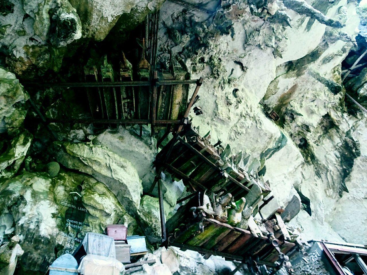 Traditional graveyard, hanging coffins, Toraja, Indonesia Graveyard Coffins  Traditional Traditional Culture Culture Ethnic Ethnicity Grave Toraja Toraja Indonesia Cave Caves