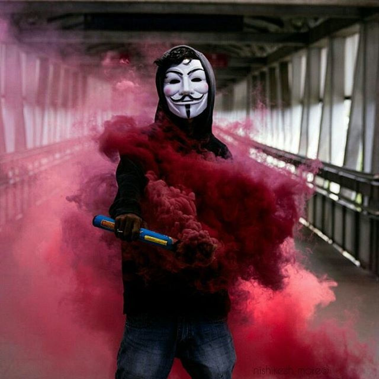 Smoke bombing series...!!!! 1 Smoke Smokebomb Smokeyeye Smokebombphotography Red Anonymous Mask Instadaily Photooftheday Photography Instalike Instafollow