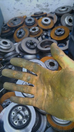 Rotors Mein Automoment Hand Dirty