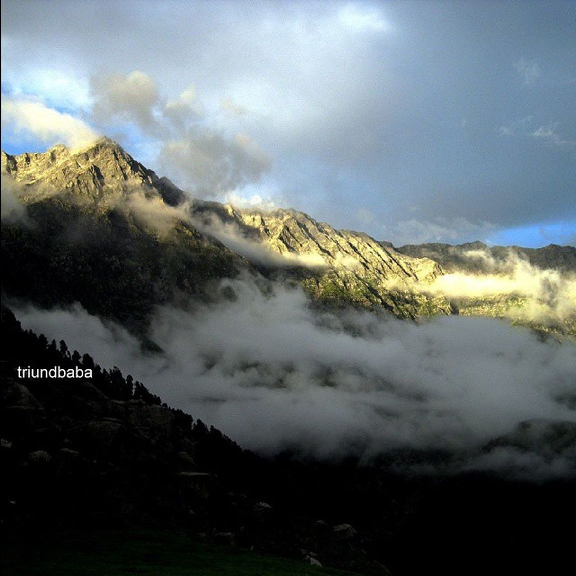 Views from Triund Dhauladhar Mountains IndraharPass MunPeak of Himalayas Sunset India_clicks Mountains Hobby Photography Trekking Hiking on new trail while Camping in SnowLineCafe of Dharamshala