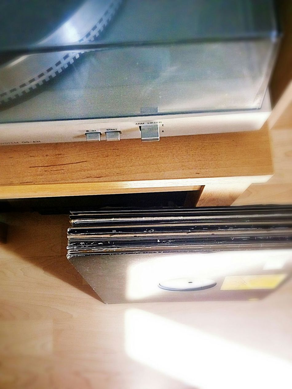 the silence Pick-up Vinyl Records 12'' Table Turntable No People Vinylcollector Indoors  Day Vinyl 33 Rpm 45 Rpm Records