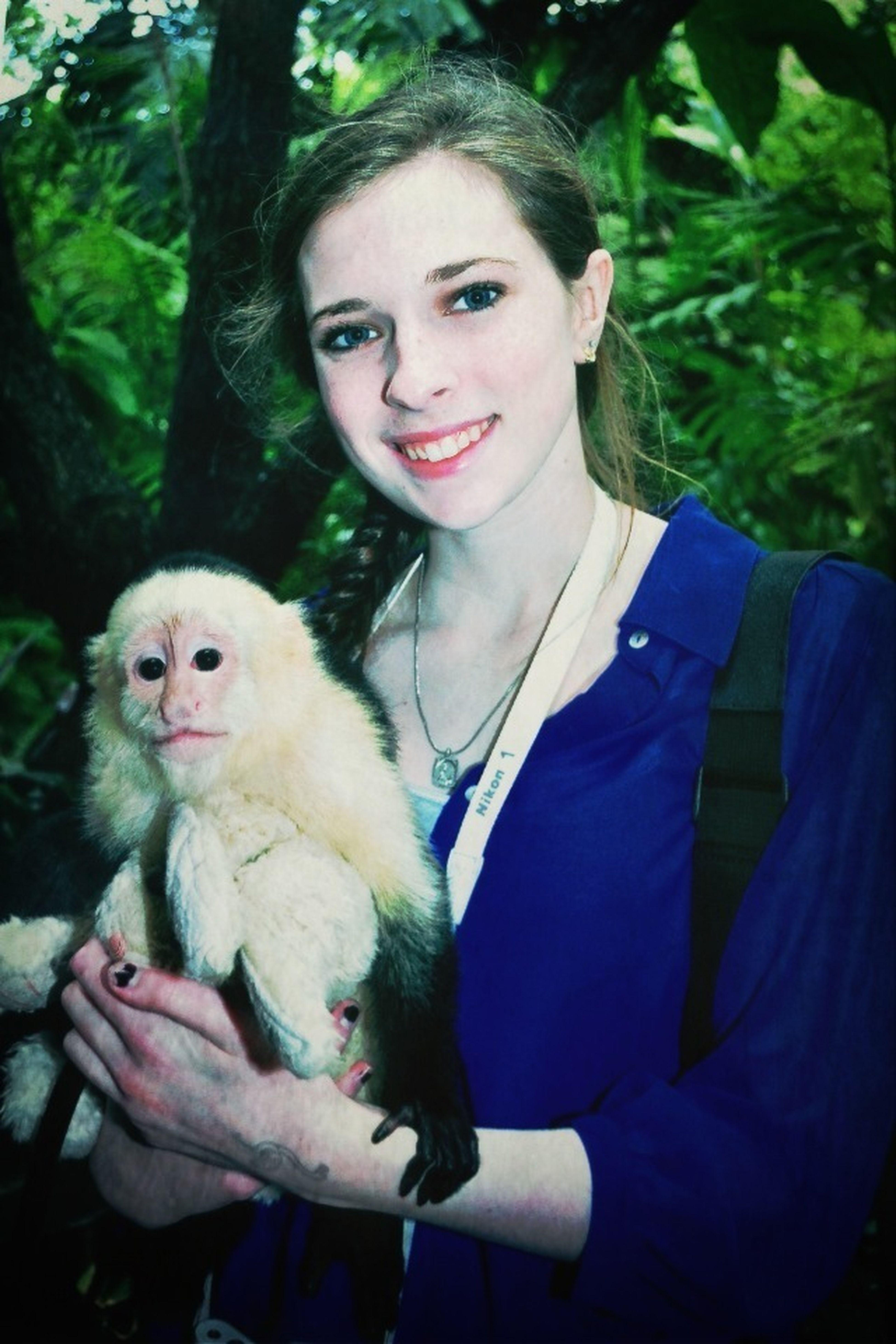 Hey kids, I held a monkey today. ✌