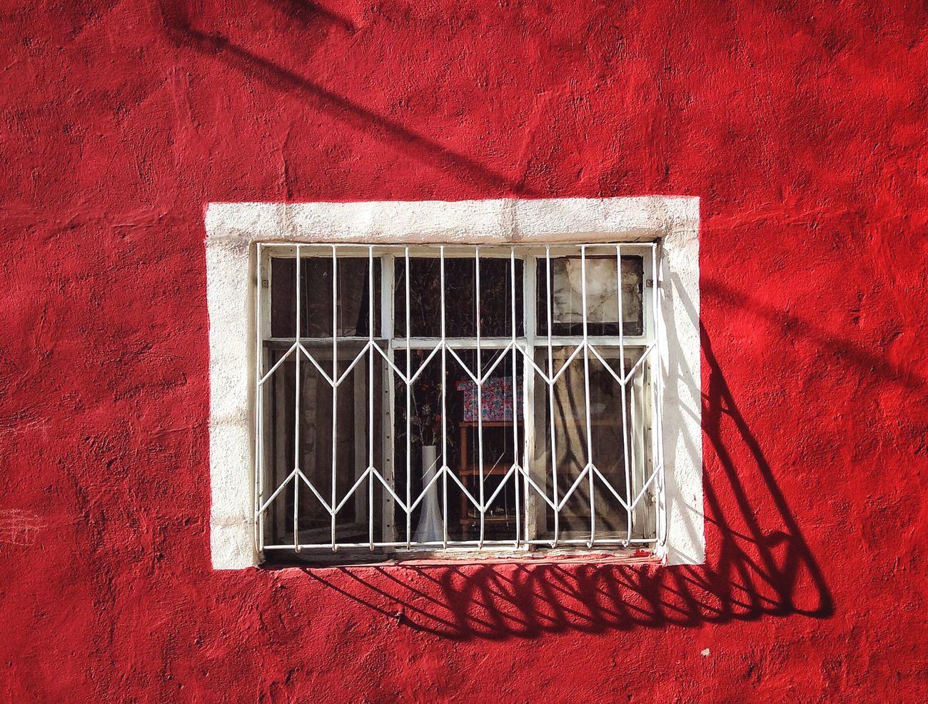 Window Severekçekiyoruz Photoshoot Photooftheday Photographer Day Window Red Photo Photo Of The Day Photograph