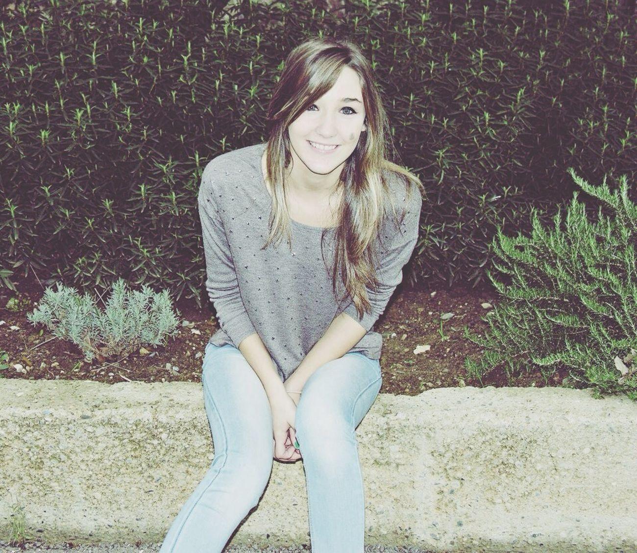 Sourire tu me rend heureuse ❤️
