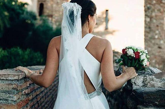 Estefania Novia Vestido  Espalda Alcazaba Malaga Dress Bride Wedding Wed Wedaward Boda Bodasmalaga Noviasmalaga Fotosdeboda Fotografiadebodas Fotografodebodamalaga Weddingphotographer Ramos Flores @zankyou_bodas Zankyoubodas @bodamas Bodamas @bodasnet Bodasnet